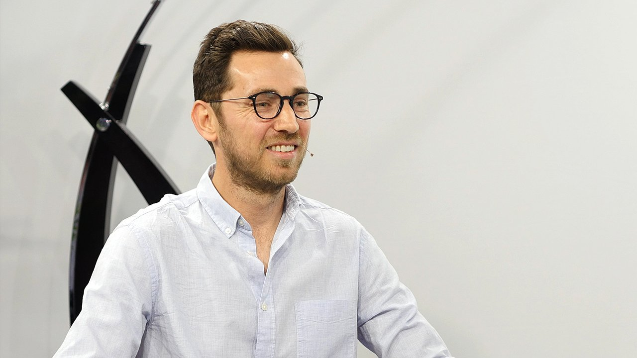 ZeroLight CMO François de Bodinat on improving the auto buyers' experience with VR during this Waskul.TV interview from SIGGRAPH 2016