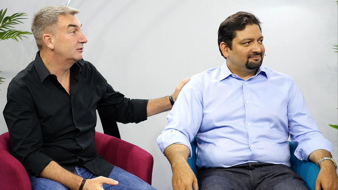 Dell's Rahul Tikoo and AMD's Roy Taylor discuss Dell Precision Workstations, AMD GPUs, VR and other current topics during a live Waskul.TV interview from SIGGRAPH 2016